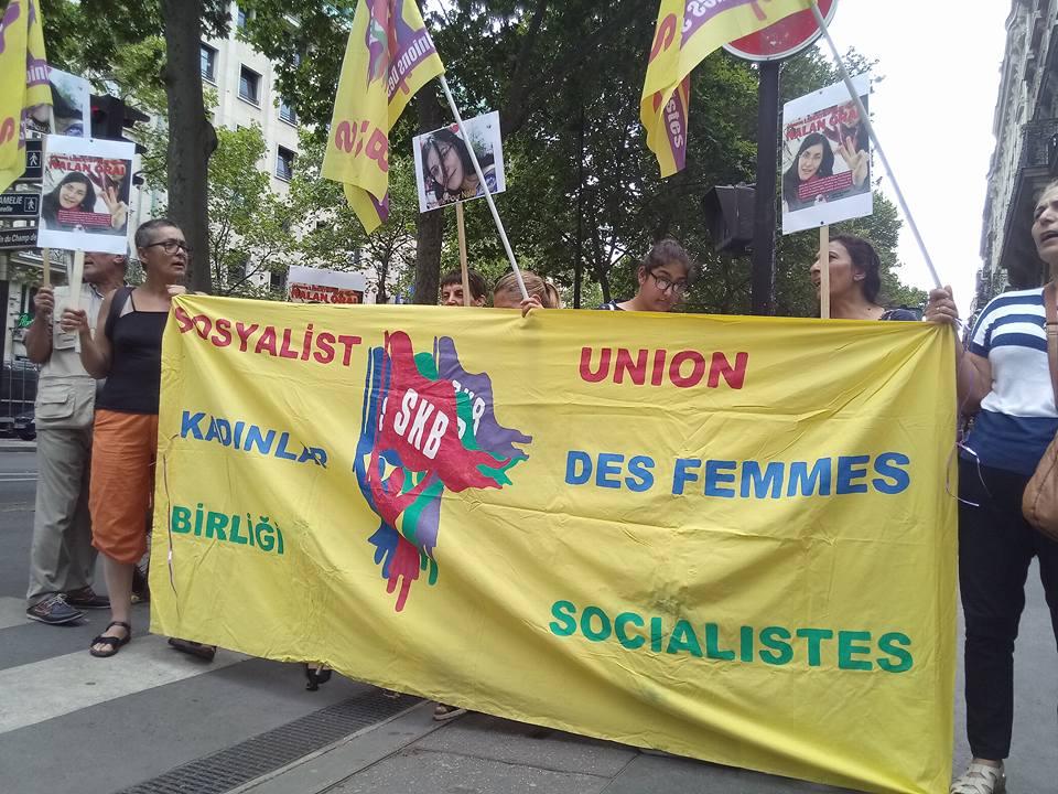 Rassemblement à Paris pour la libération de Nalan Oral.