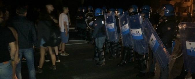 Face à face manifestants policviers dans les Pouilles