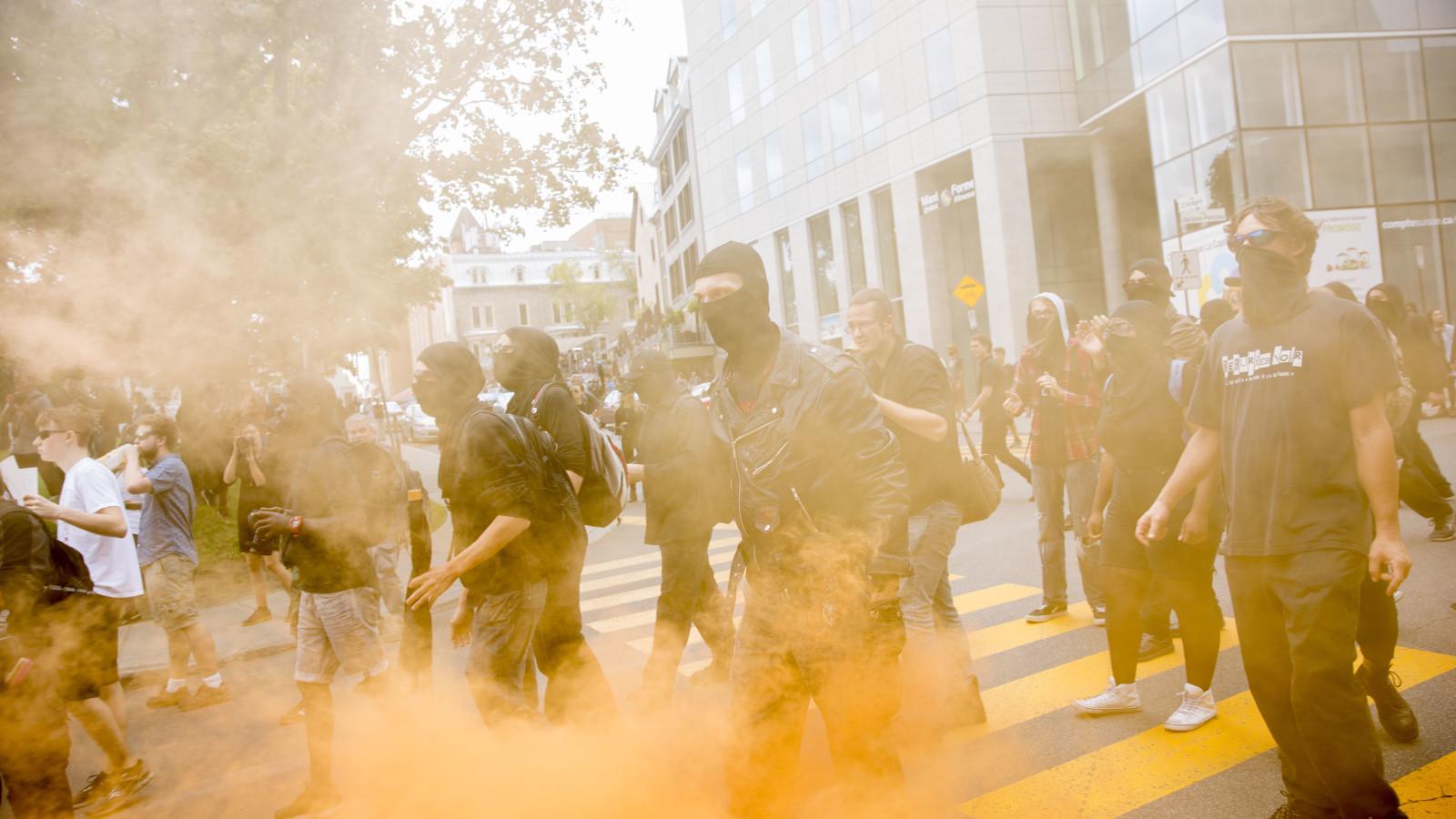 Les contre-manifestants antifas