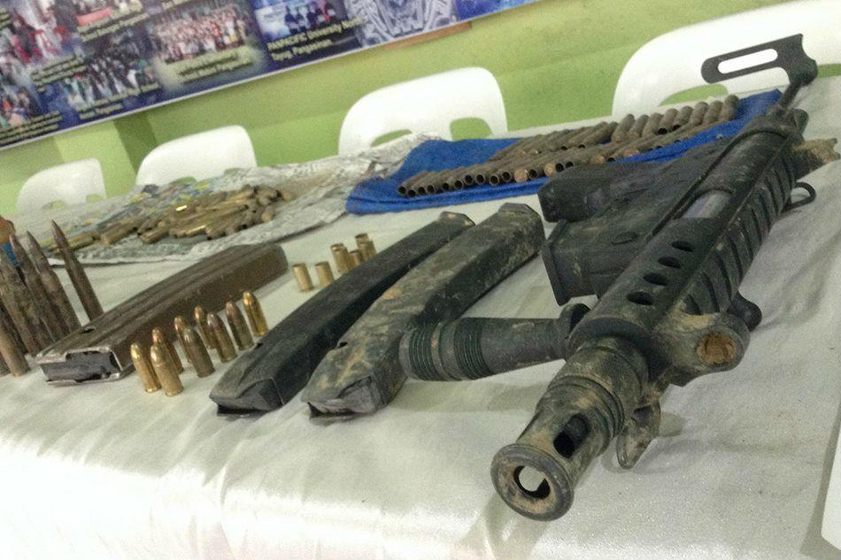 Equipements récupérés par les militaires sur le lieu de la fusillade