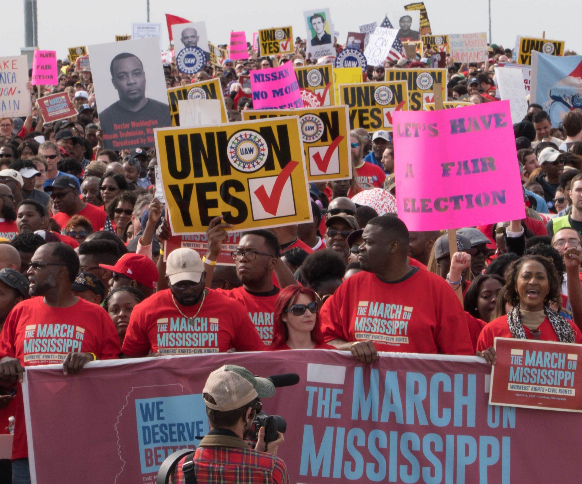 Manifestation pour l'autorisation d'un syndicat chez Nissan-Renault