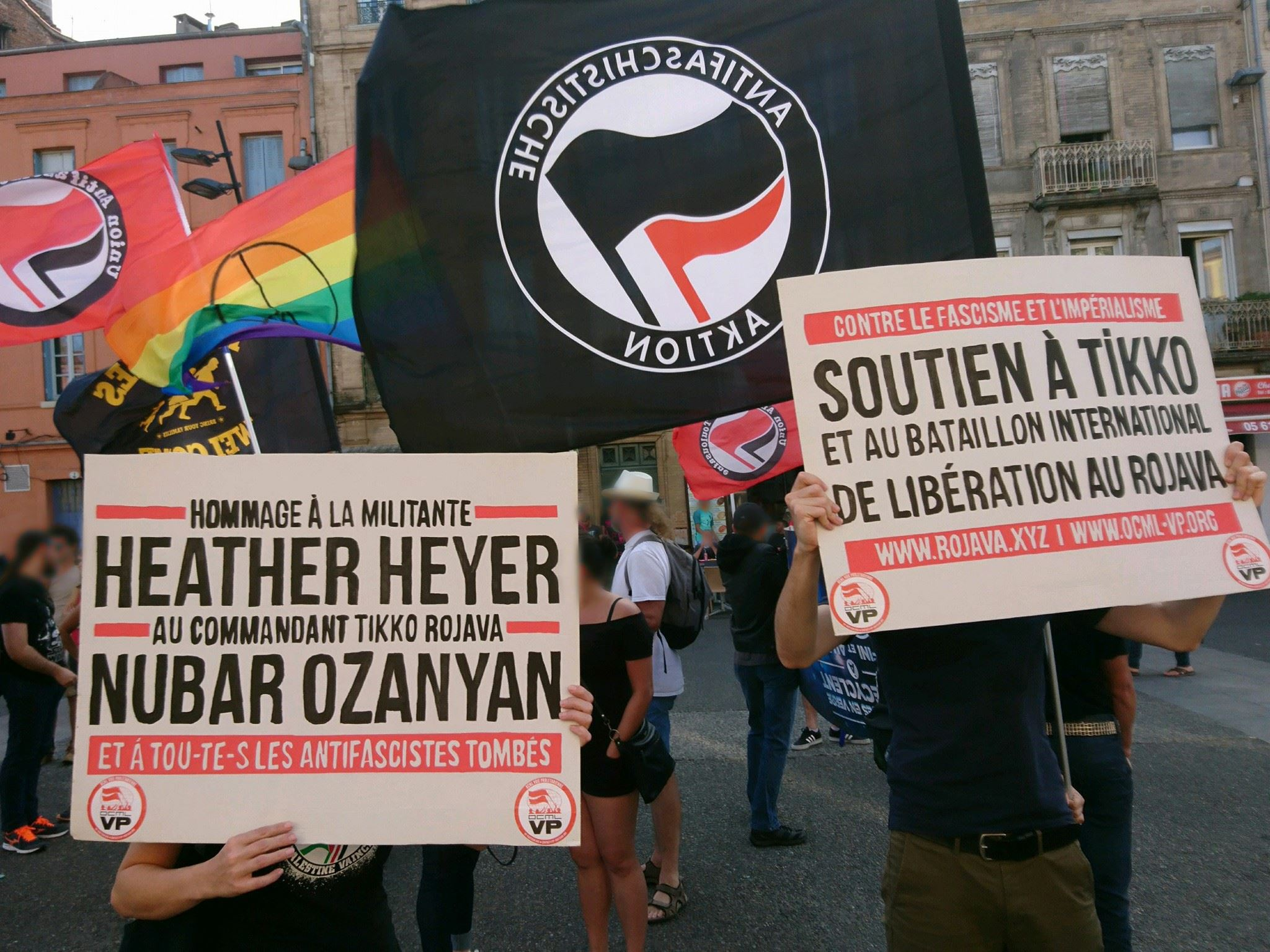 Hommages à Heather Heyer et Nubar Ozanyan à Toulouse.