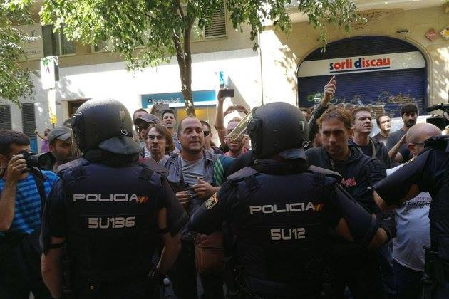 Le gouvernement espagnol multiplie pressions et répression contre le réferendum