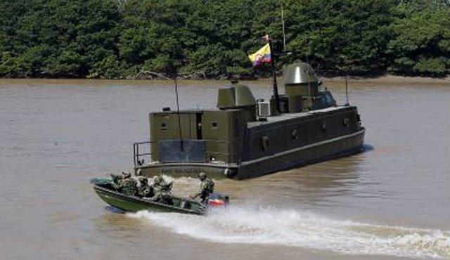 Patrouille fluviale dans l'Arauquita