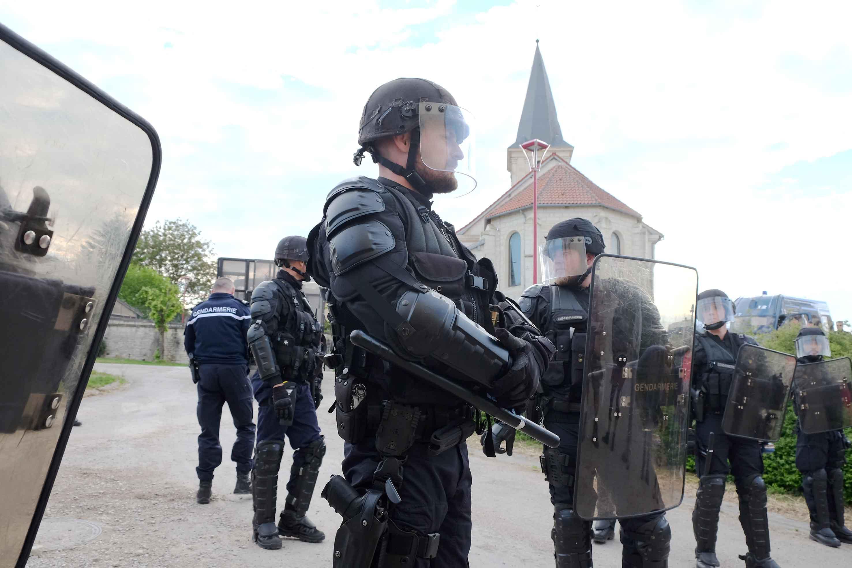 Une centaine de gendarmes sont en permanence à Bure