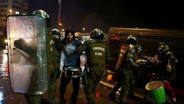 Arrestations à la manifestation de Santiago