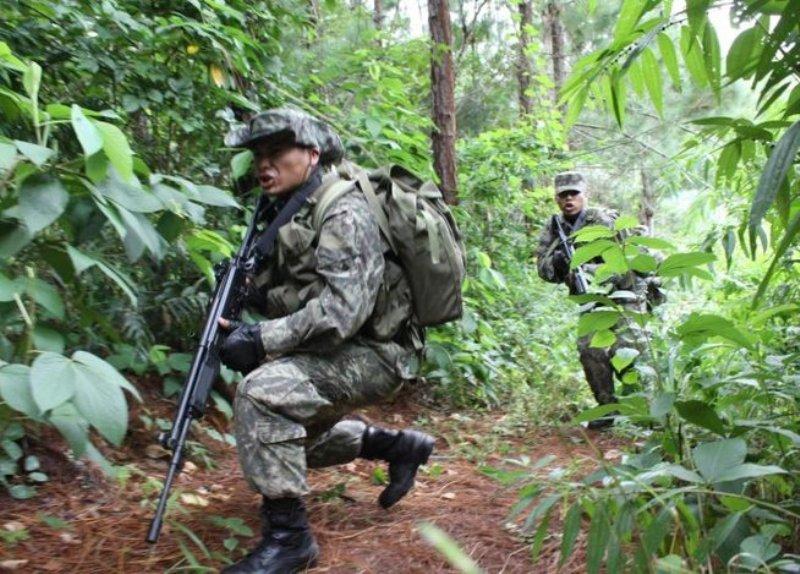 Militaires en opération de contre-guérilla dans la région VRAEM (archive)