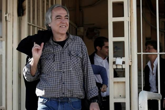 Dimitris Koufontinas à la sortie de la prison.