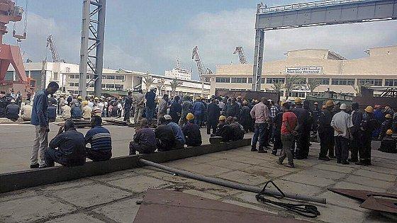 Mai 2016: Les grévistes du chantier d'assemblage des Gowind français à Alexandrie juste avant l'arrivée de l'armée