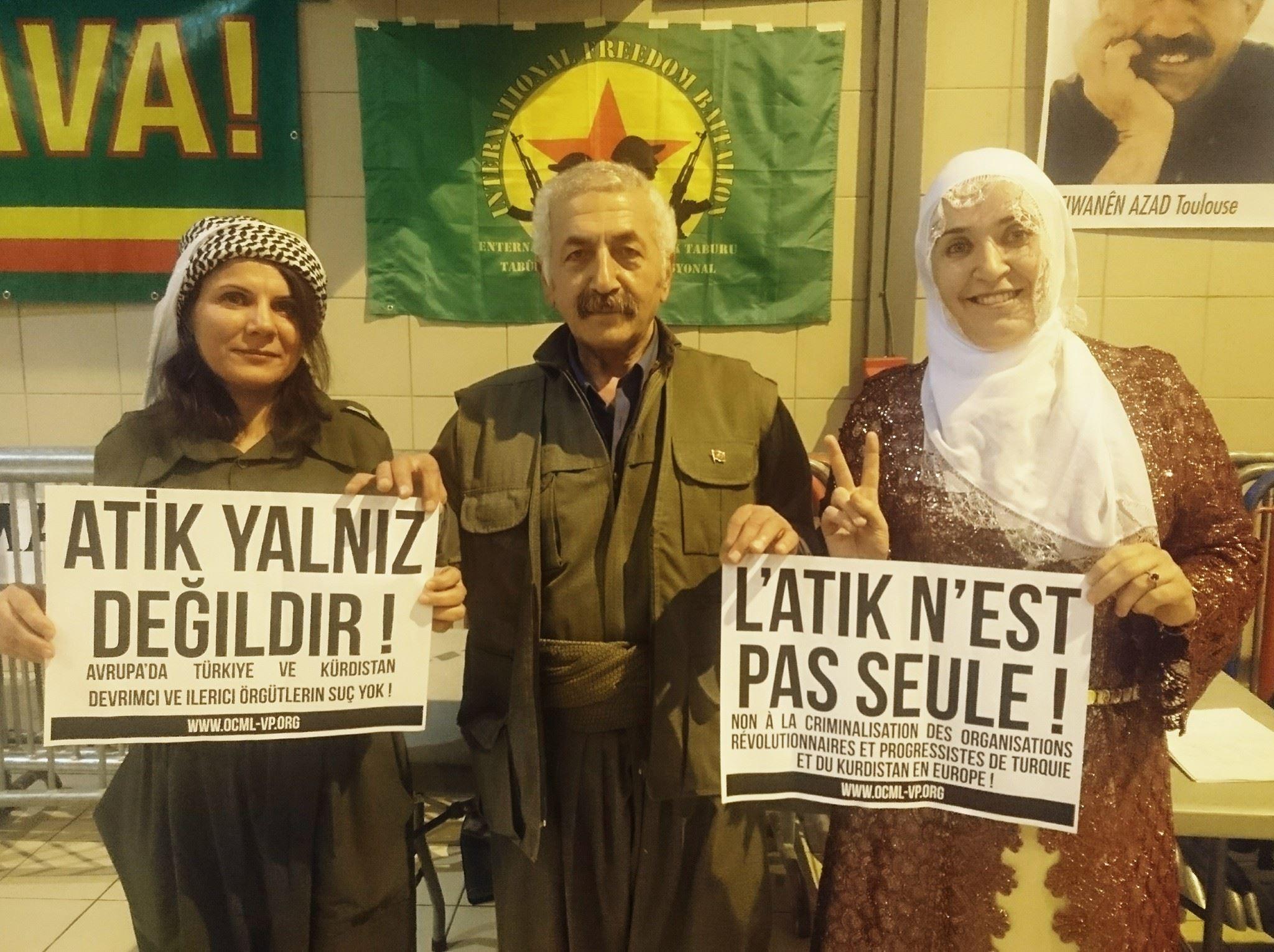 Représentants de la communauté kurde de Toulouse apportant leur soutien aux prisonniers de l'ATIK