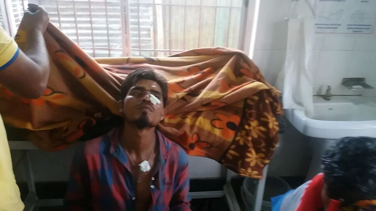Travailleur blessé lors de la manifestation dans les districts de Golaghat et de Jorhat