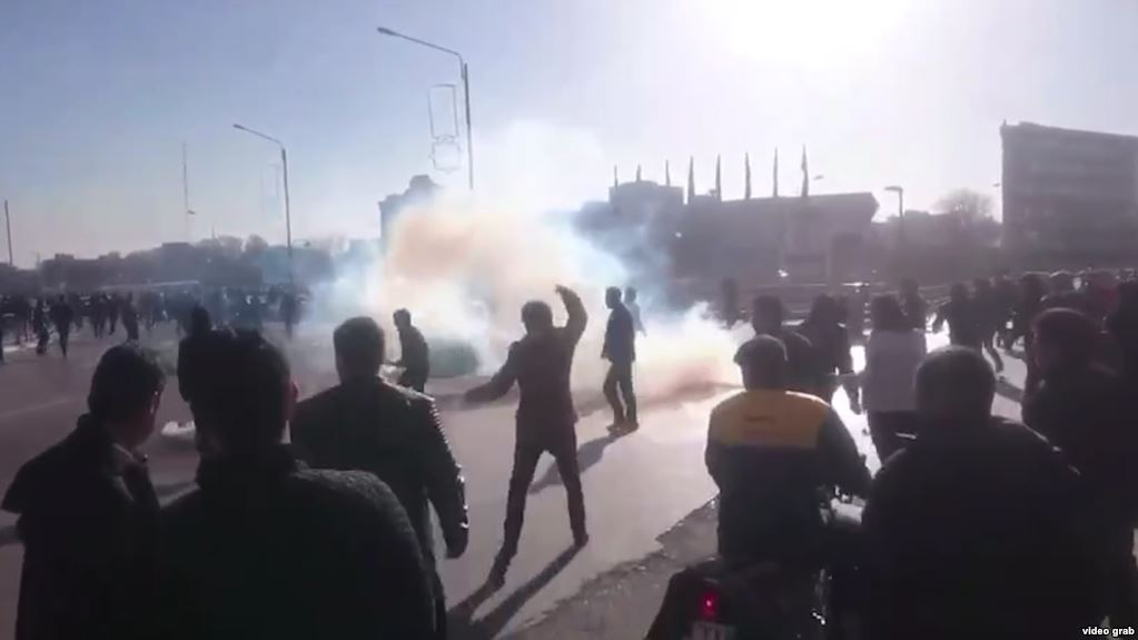 Affrontements à Mashhad