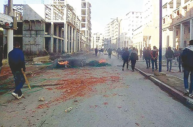Les rues de Sour El-Ghozlane après les affrontements