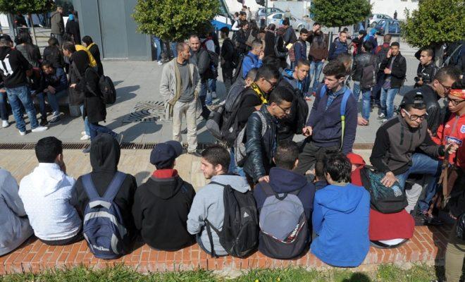 Sit-in devant le lycée de Meftah