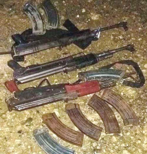 Armes récupérées par les militaires à Barangay Bunawan Brook