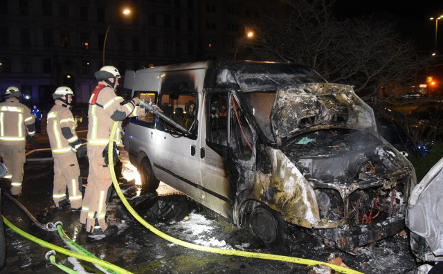 Le minibus incendié du DITIB