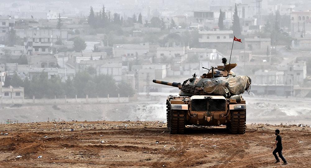 Un tank turc en appui-feu dans la bataille d'Afrin