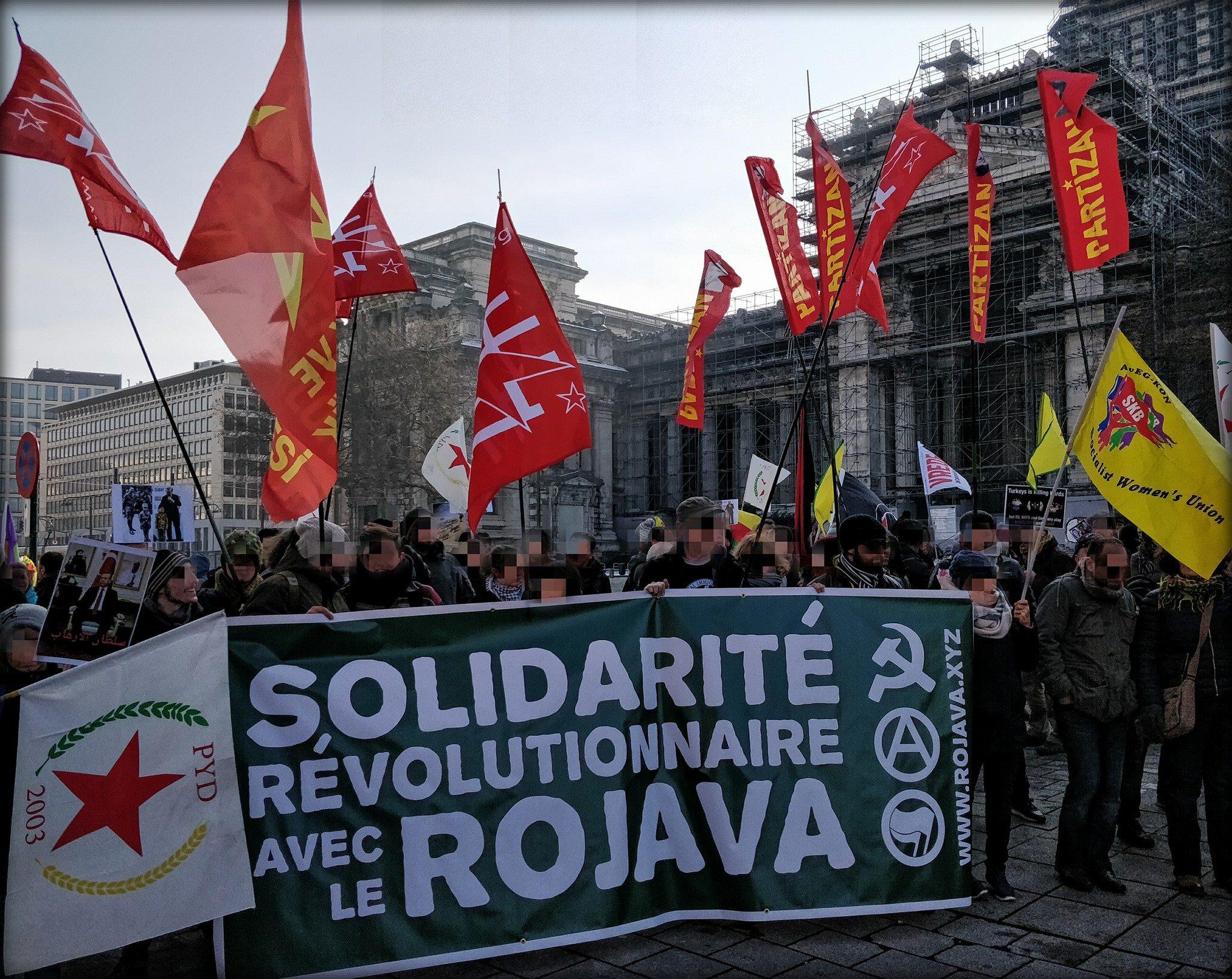 Bloc révolutionnaire dans la manif Afrin du 3 mars