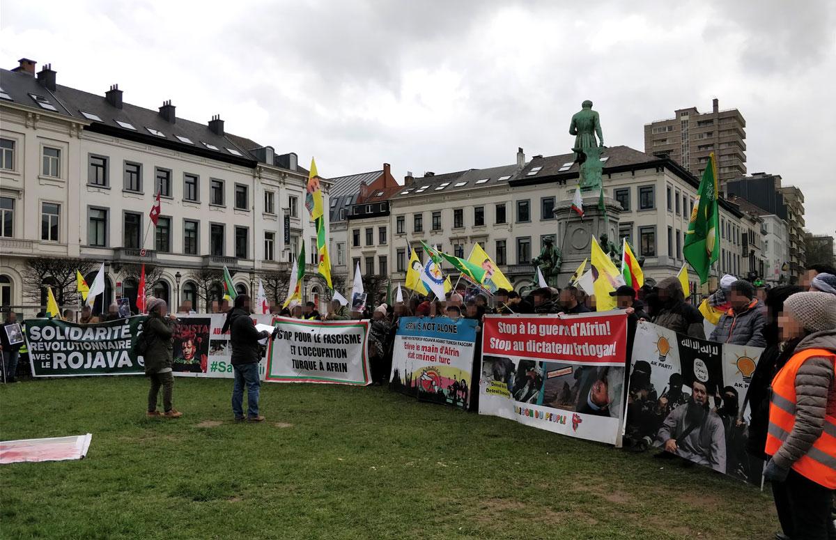 300 personnes rassemblées pour les martyrs internationalistes