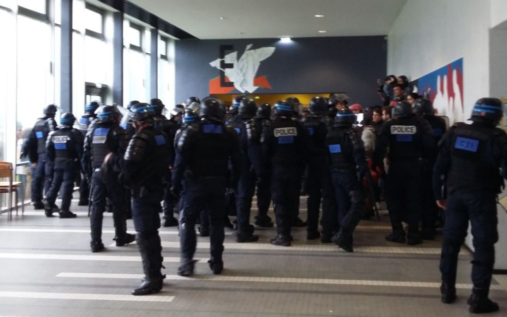 L'intervention des CRS à Nanterre