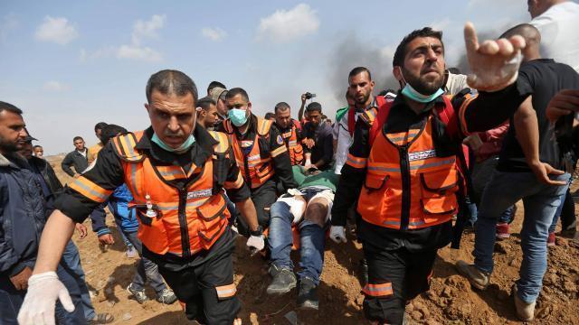Evacuation d'un blessé de la 5e Marche du Retour