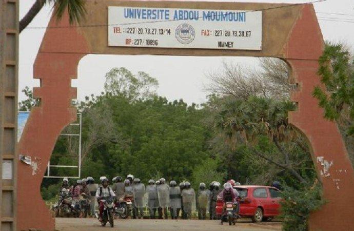 La gendarmerie sur le campus de Niamey