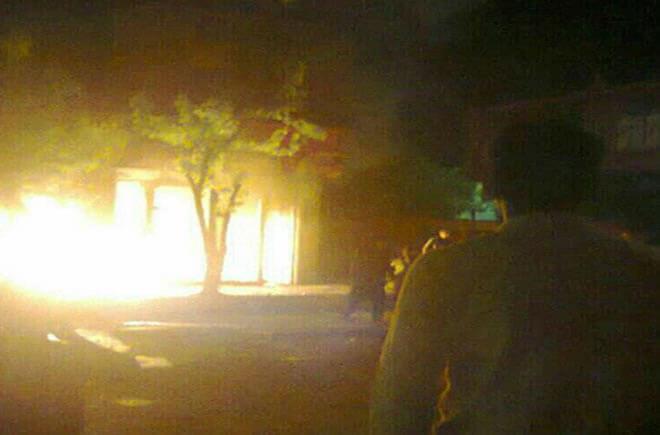 L'incendie d'une des maisons de pasdaran à Marivan