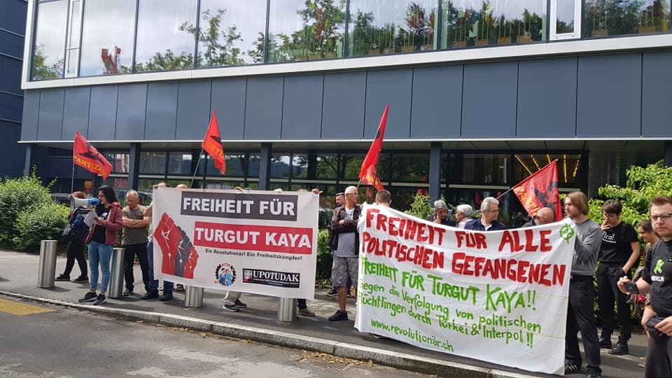 Rassemblement pour la libération de Turgut Kaya à Bern (Suisse).