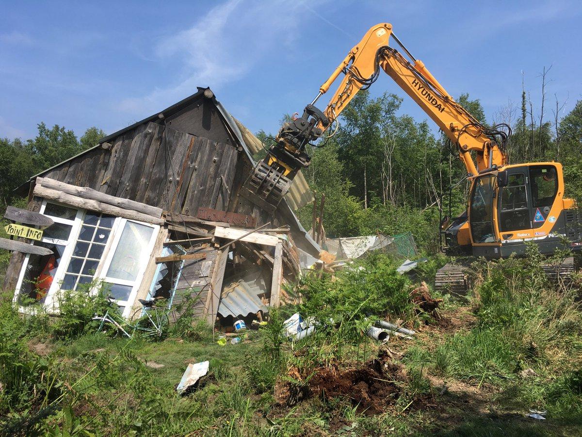 Destruction de la ChâTeigne dans l'après-midi