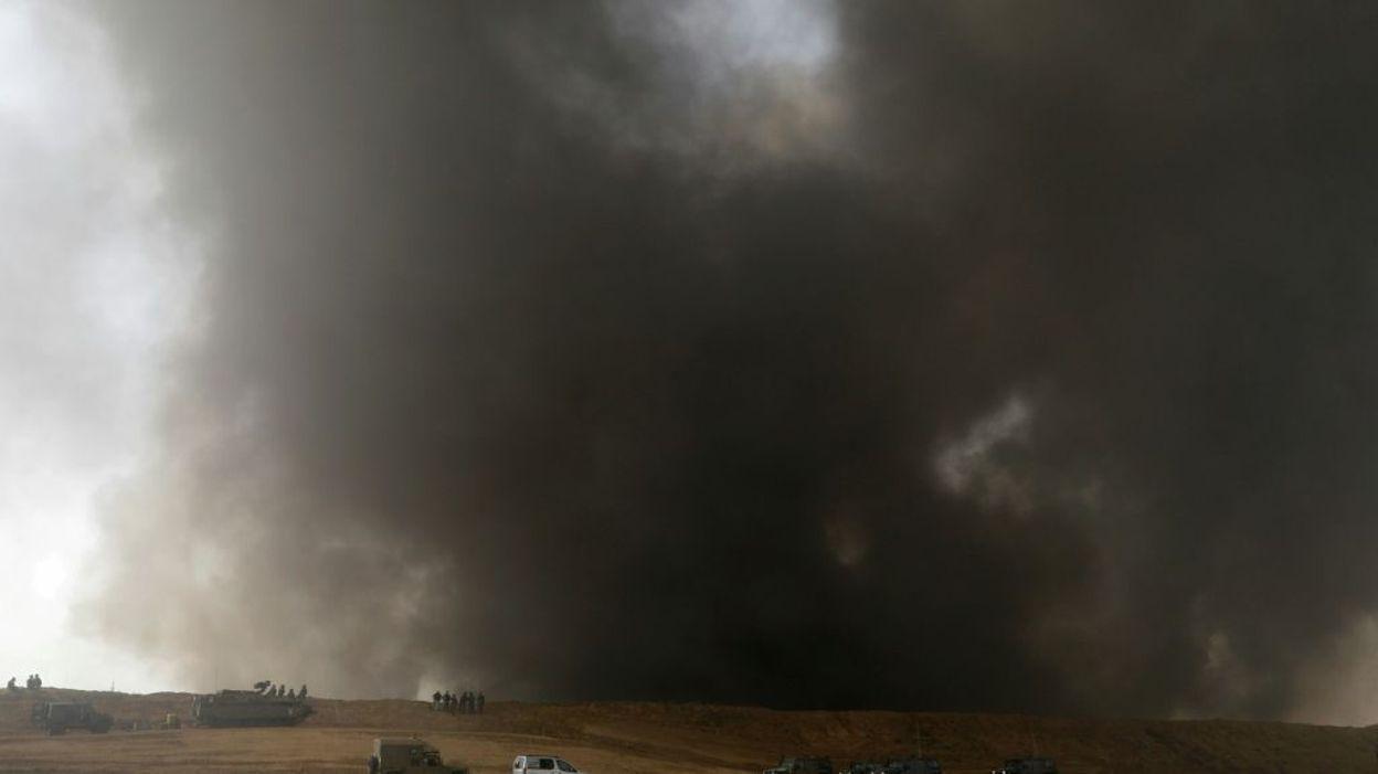 Les Palestiniens ont encore mis le feu hier à des pneu pour gêner la vue des soldats et snipers israéliens
