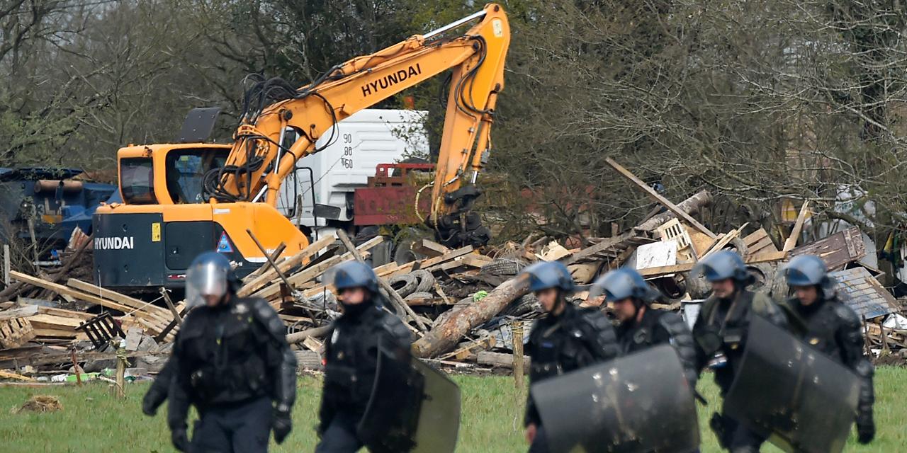 Destruction des lieux de vie à Notre-Dame-des-Landes