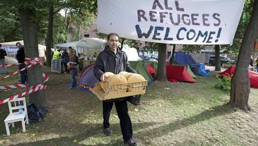 Solidarité avec les migrants au parc Maximilien