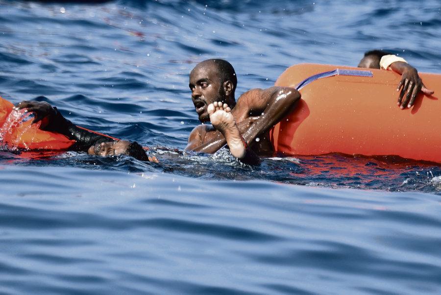 Migrant naufragé en Méditerranée