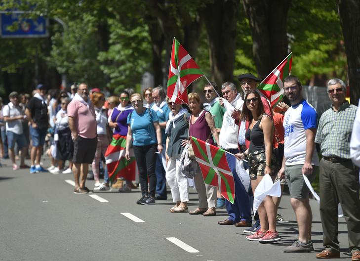 La chaine humaine pour revendiquer le droit à l'autodétermination des Pays-Basques