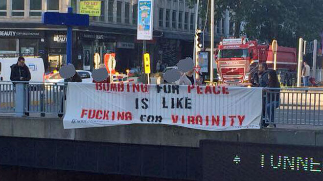 La banderole Anti-OTAN
