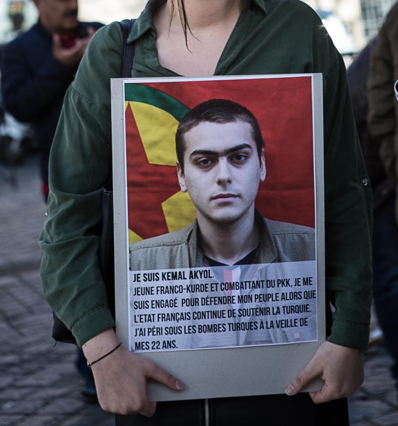 Hommage à Kemal Akyol lors d'une manifestation (archives)