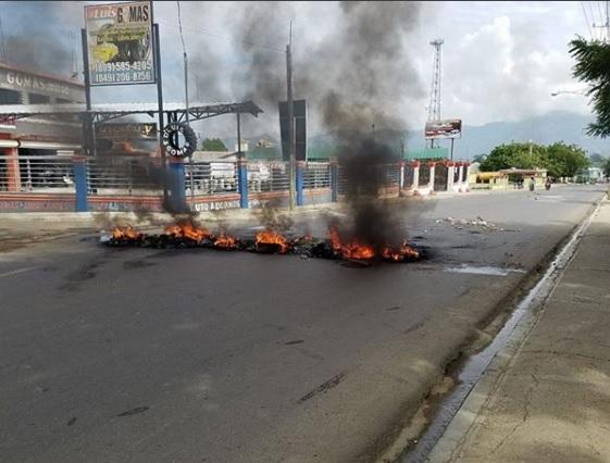Protestations à Esperanza