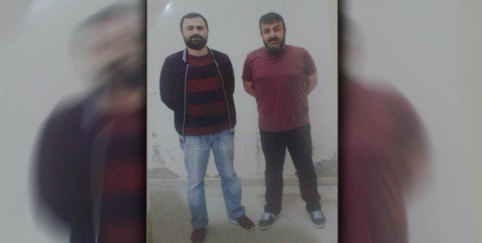 Esat Naci Yıldırım et Kadir Karabak (à droite)
