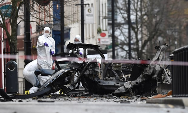 Explosion d'une voiture piégée à Derry