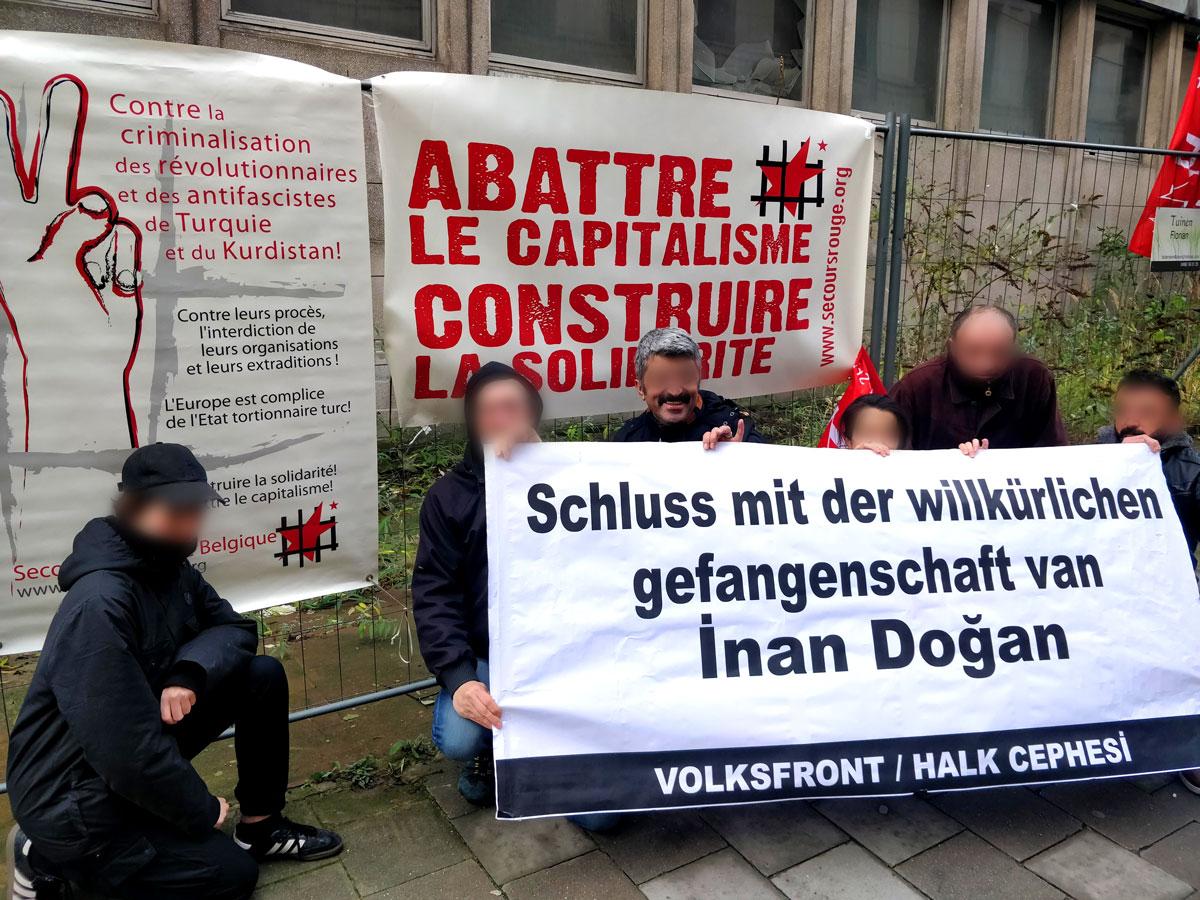 Devant l'ambassade d'Allemagne à Bruxelles