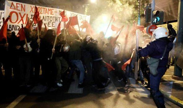 Incvidents à Athènes pour la visite de Merkel