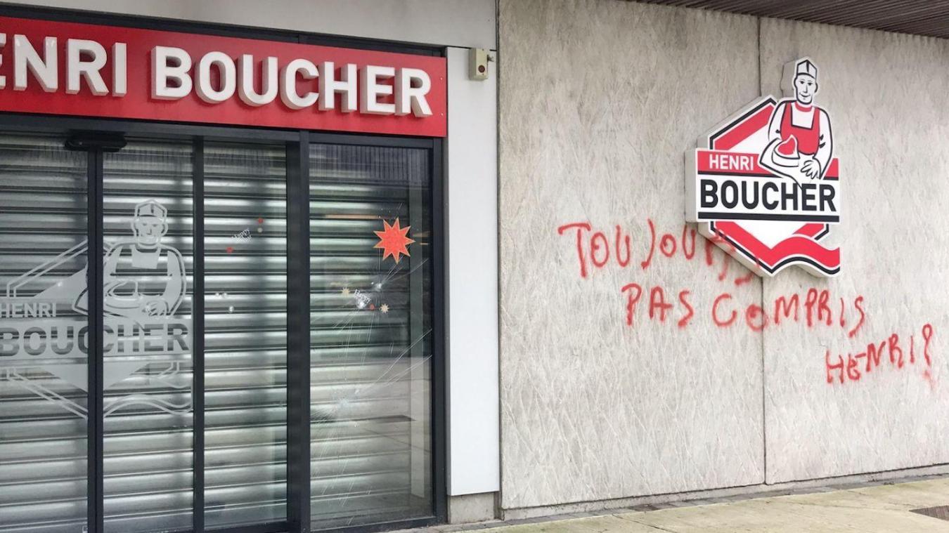 Tag et bris de vitres chez Henri Boucher