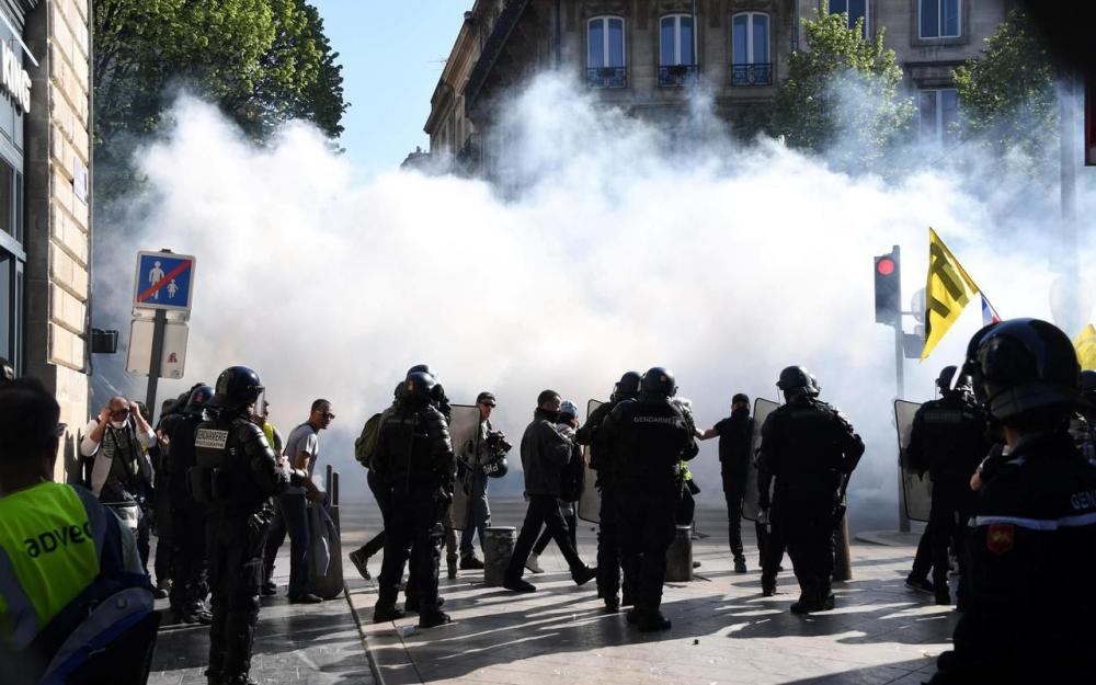 Lacymogènes à Bordeaux pour l'Acte XX