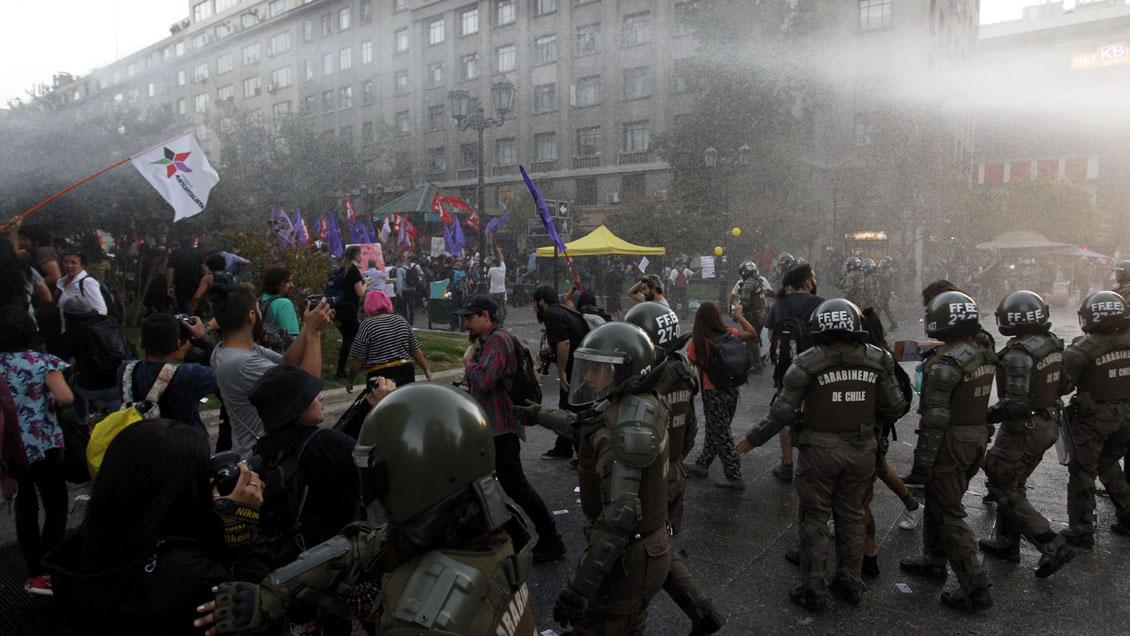 Affrontements pour la visite de Bolsonaro