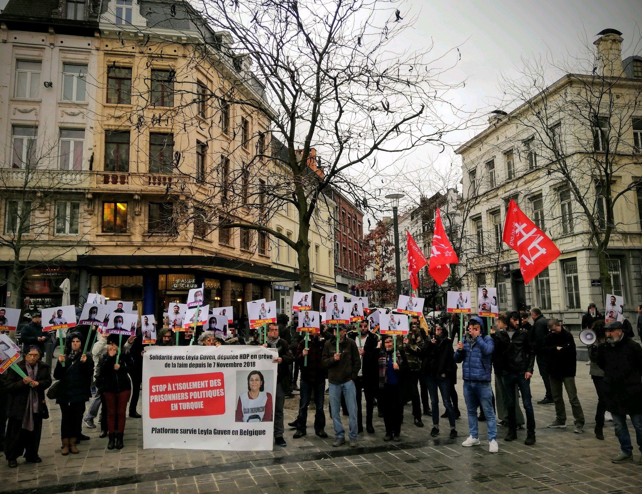 Le rassemblement solidaire d'hier samedi à Bruxelles (St-Gilles)