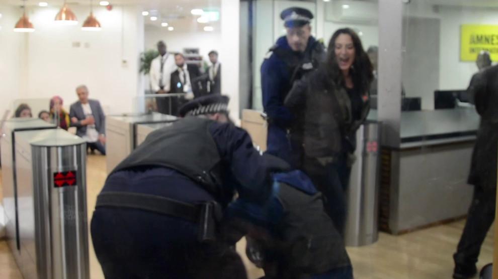 Arrestation des militant·e·s qui occupaient les bureaux d'Amnesty