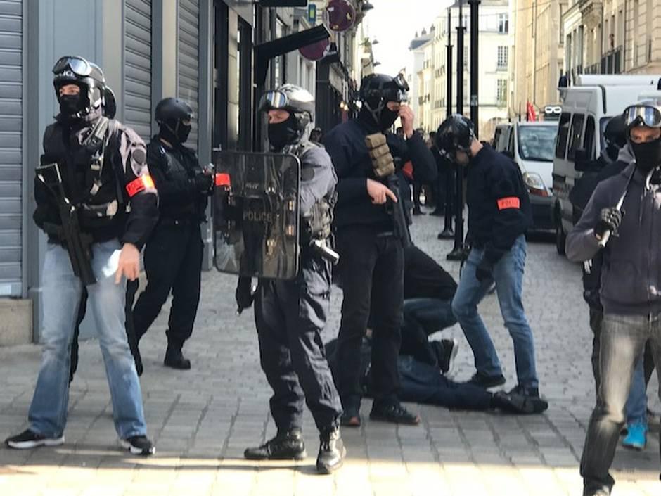 Arrestation d'un manifestant ce samedi par la BAC de Nantes