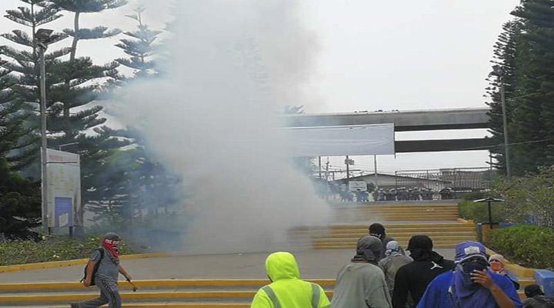 Explosion d'une bombe lacrymogène sur le campus