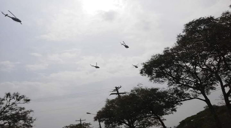 Les hélicoptères survolant le campus