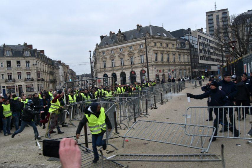 La manifestation des Gilets jaunes au Mans le 16 février
